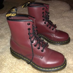 Cherry red smooth (Maroon) classic Dr. martens